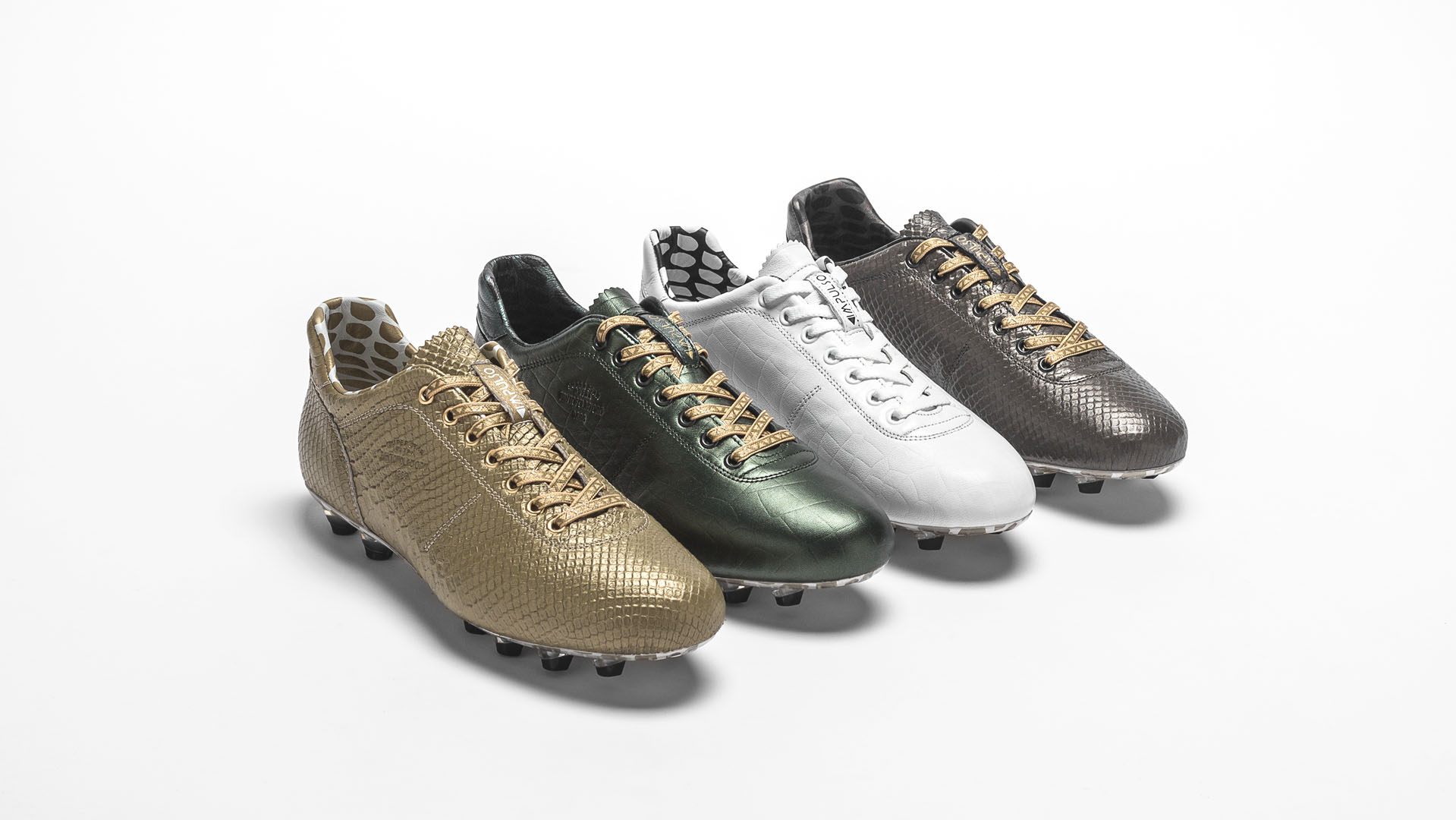 Stand out on the pitch in the Pantofola d Oro Impulso  02bbe817d