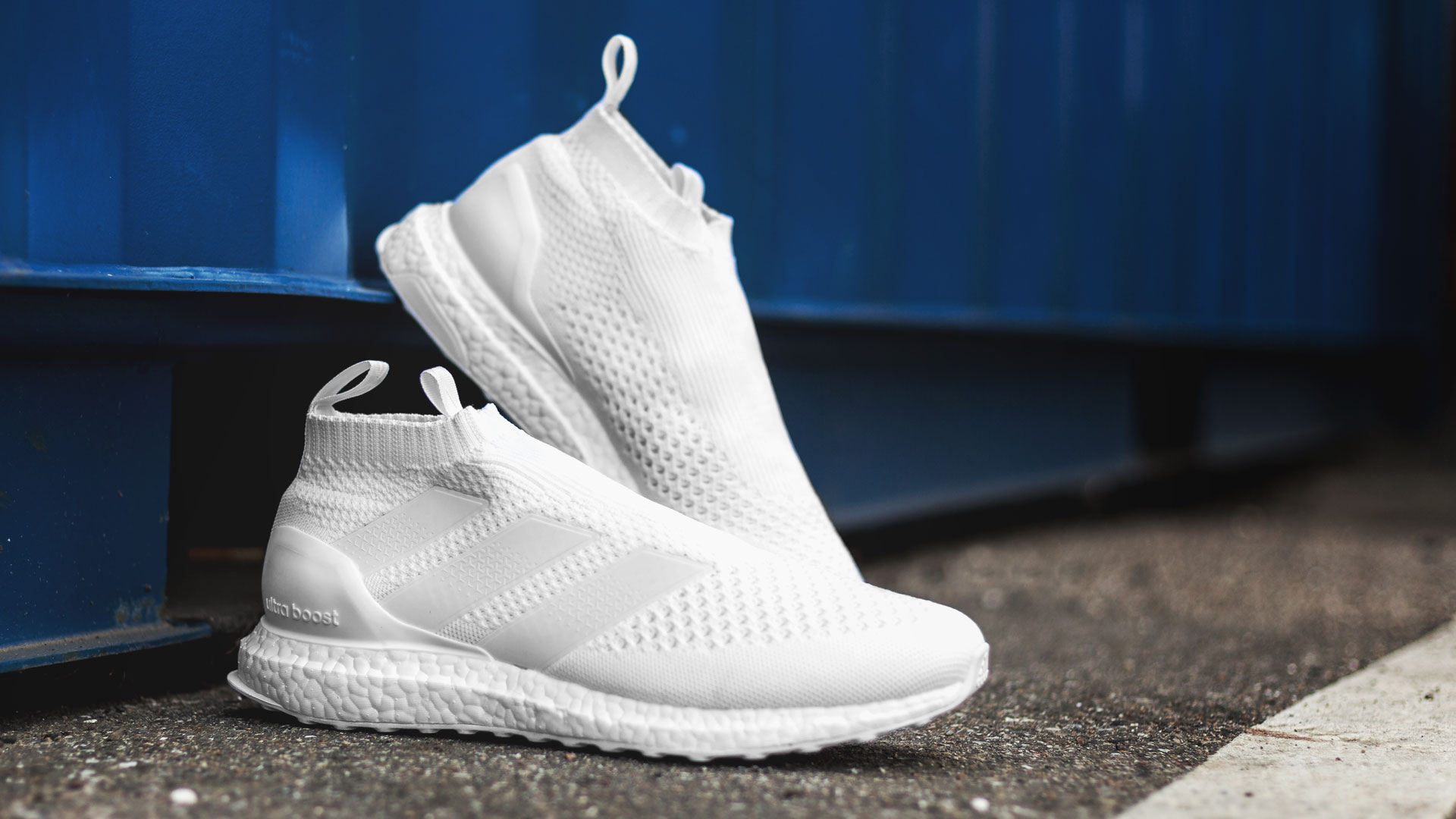 Der heilige Gral | Triple white PureControl Ultra Boost |