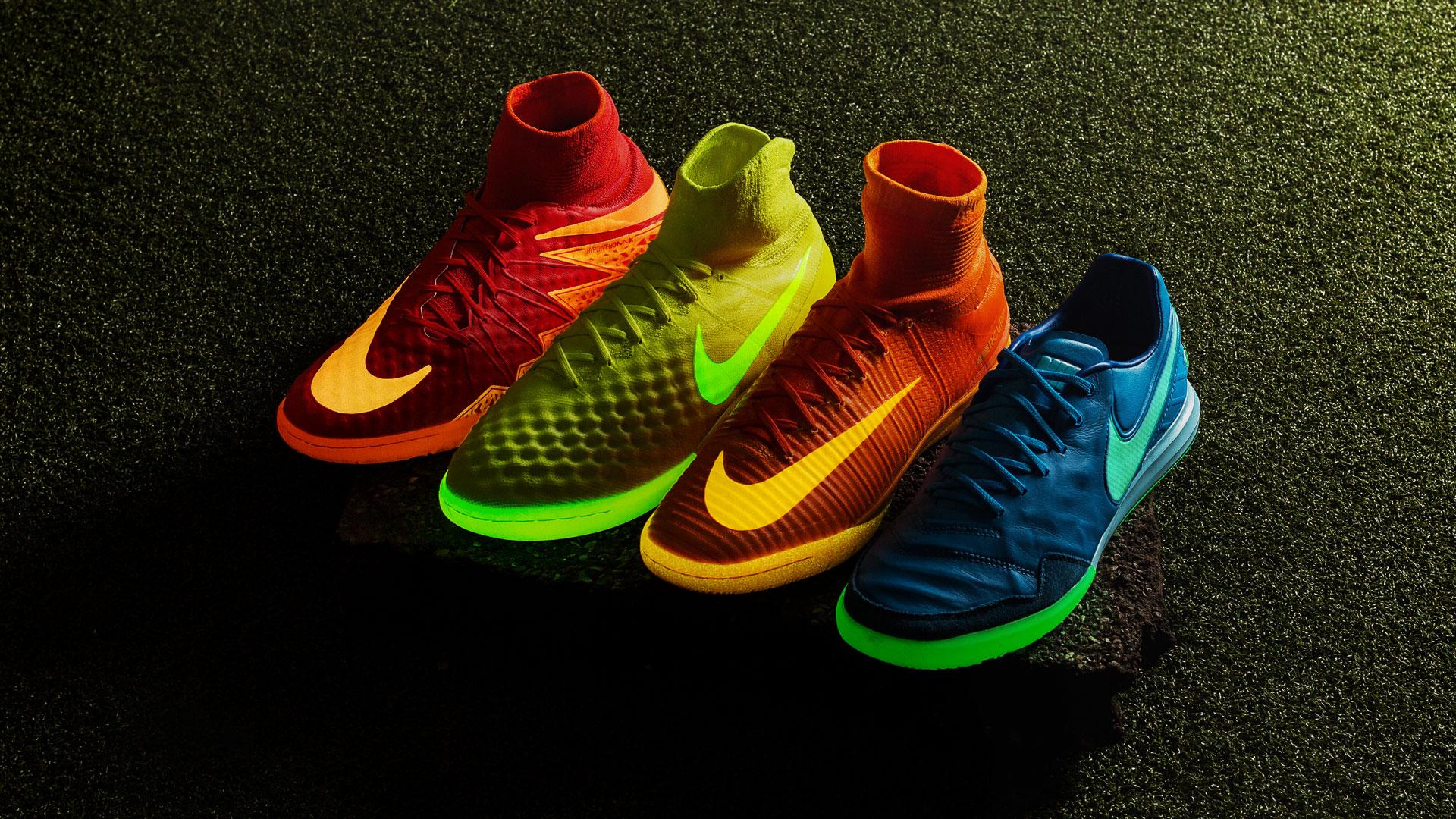 Glow in the dark fodboldsko | Nike indendørssko |