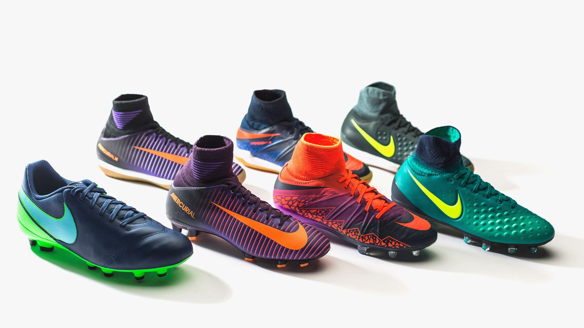 5f361bd4 De beste Nike fotballskoene i barnestørrelser | Floodlights Pack