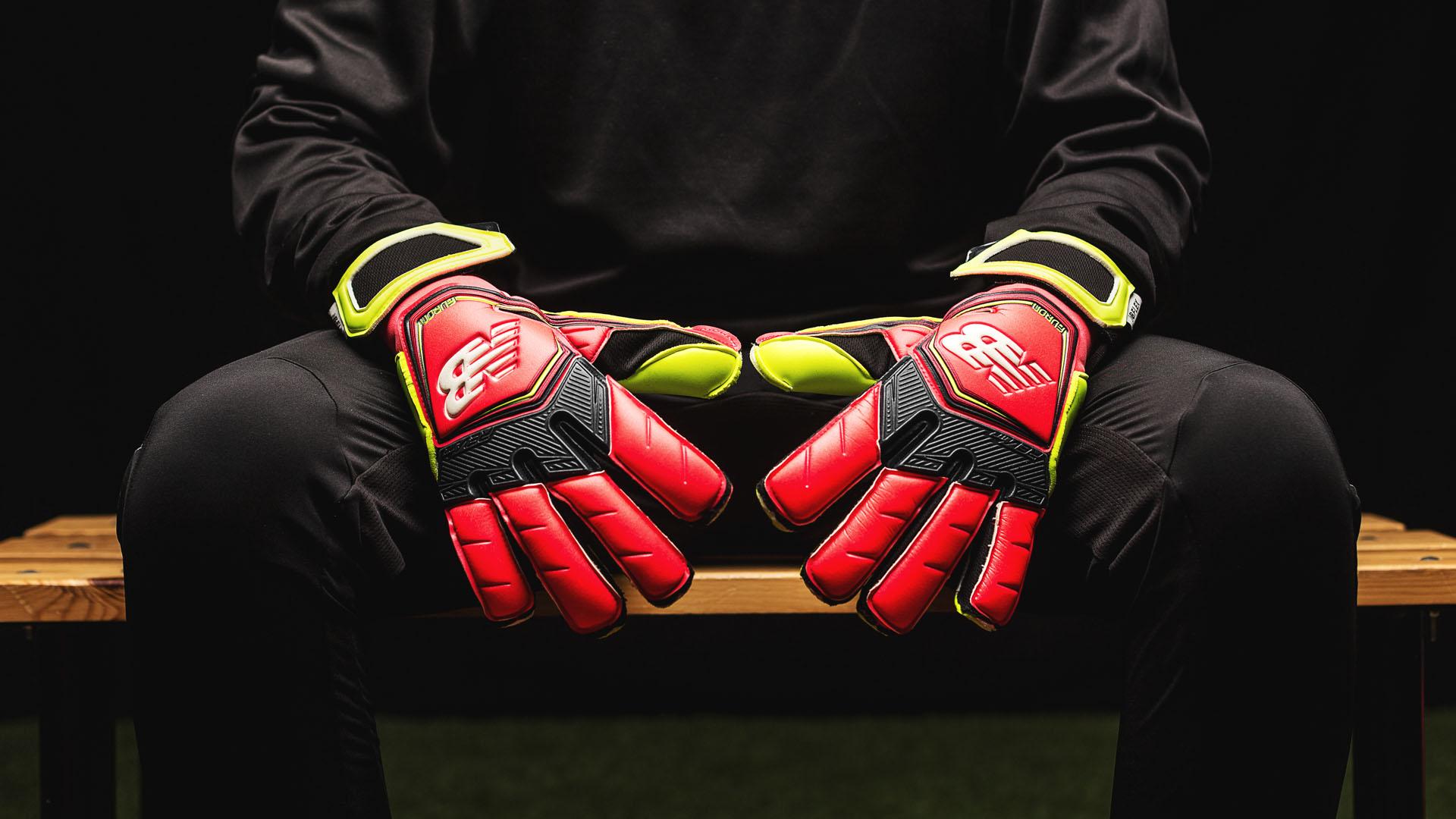 13b97de4d Review of Kasper Schmeichels Furon Destroy goalkeeper glove