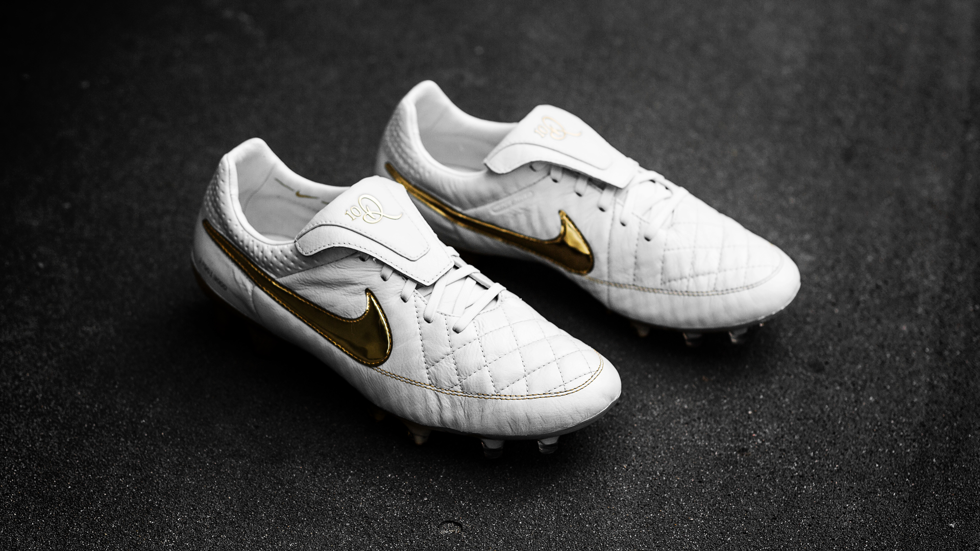 premium selection 6adc6 1bf0f Nike Tiempo Legend  Touch of Gold  har landat!