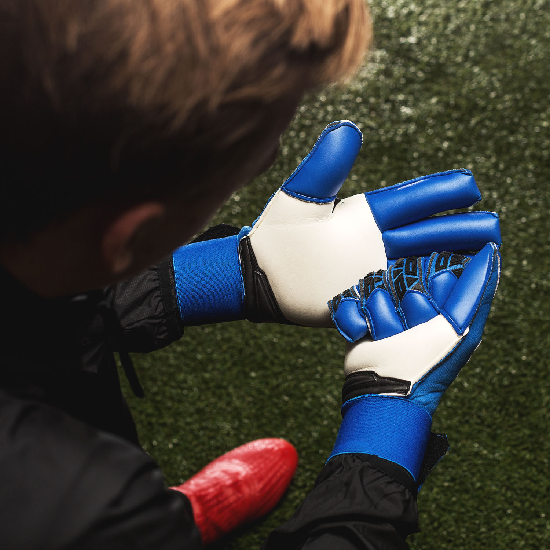 abortar Nublado Portavoz  Brand new adidas ACE Trans goalkeeper gloves