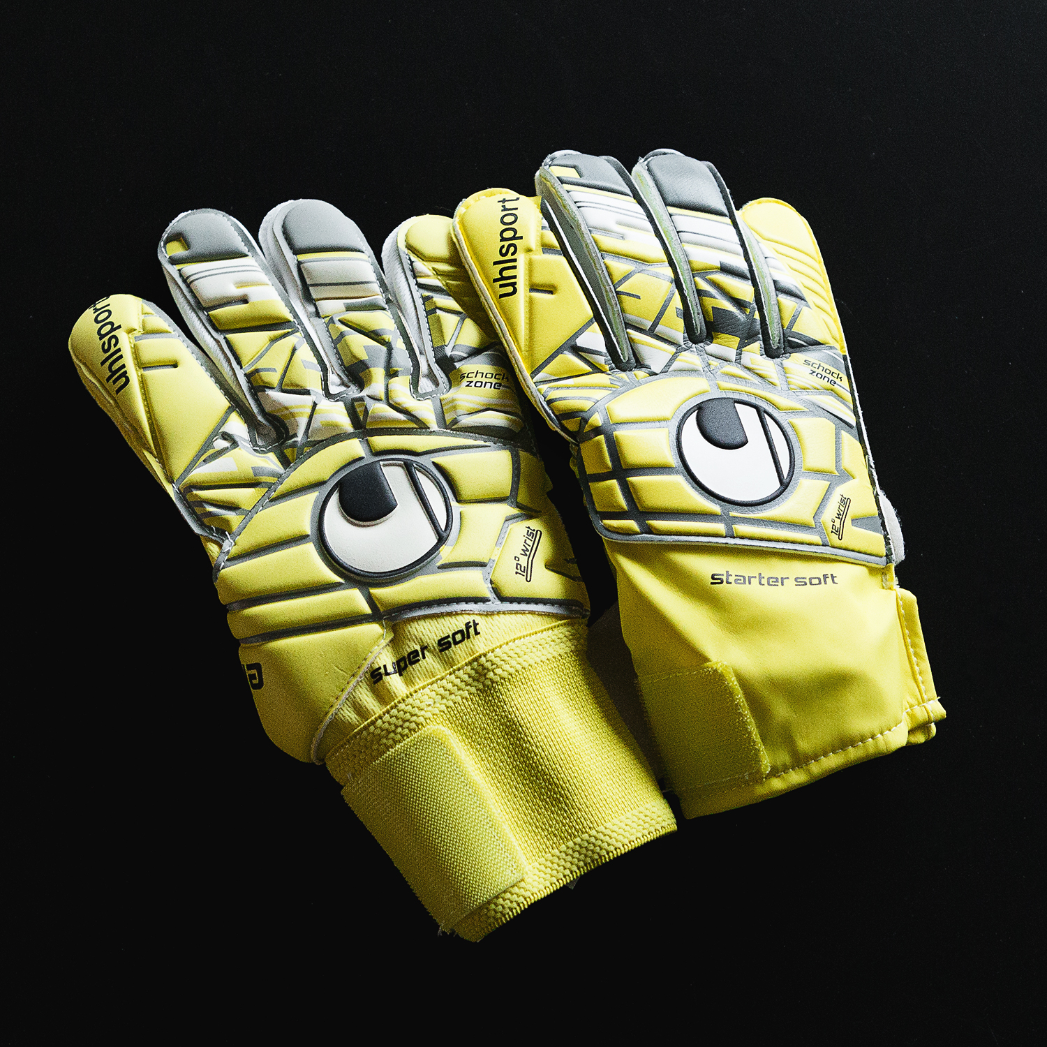 Guide: All you need to know about latex for goalkeeper gloves |