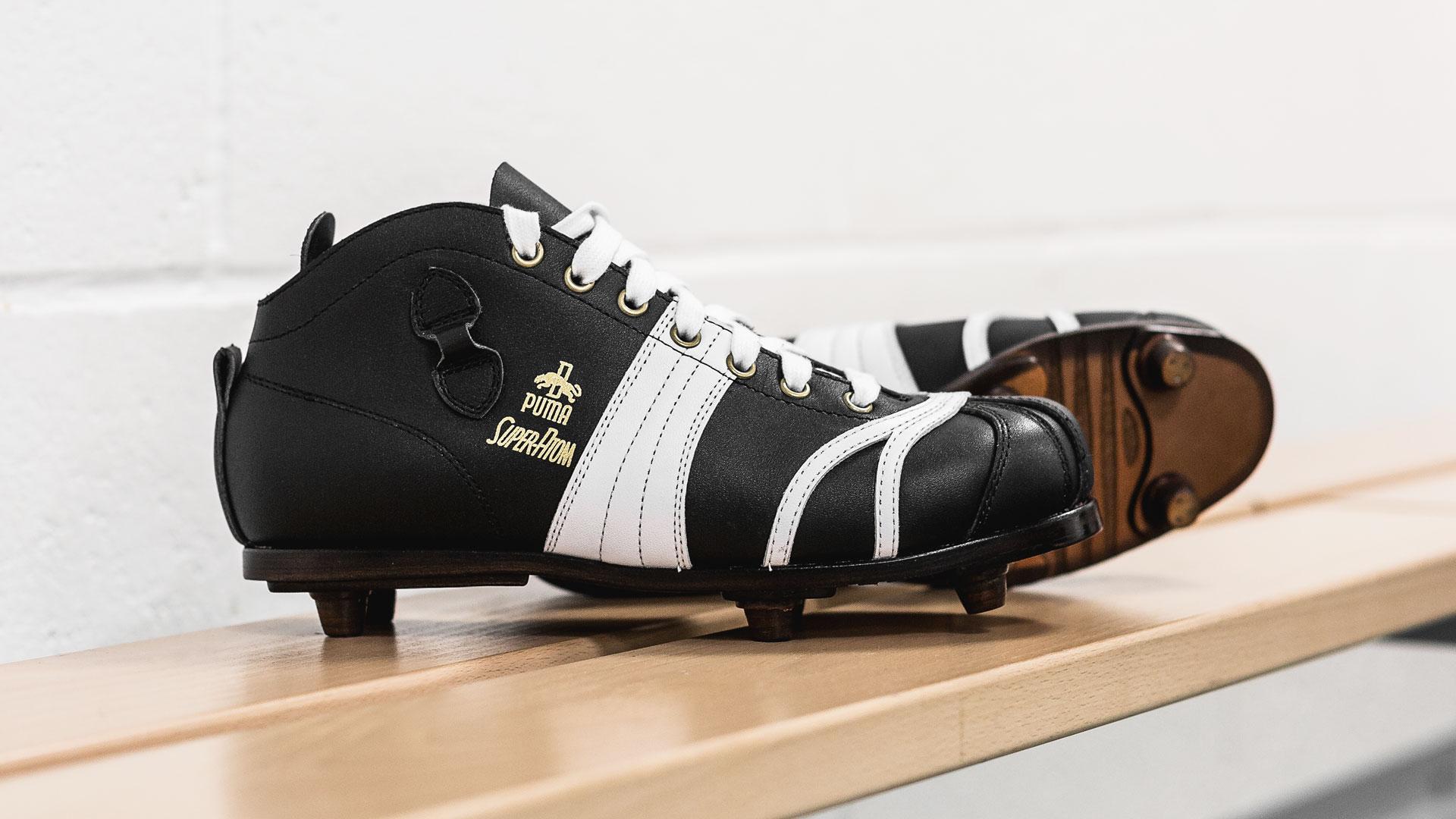 PUMA ré édite la chaussure de foot Super Atom de 1952 |