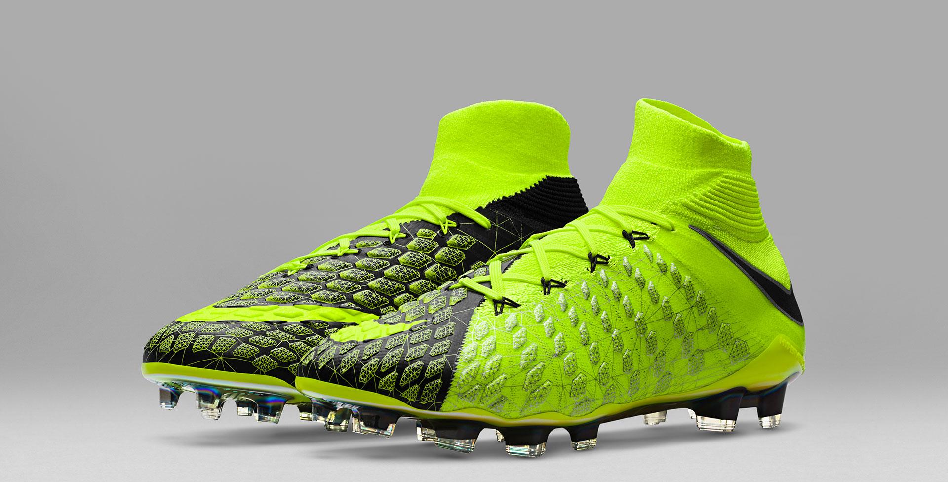 ad9aabb7c Les Nike X EA Sports Hypervenom 3 vont mettre le feu sur les terrains