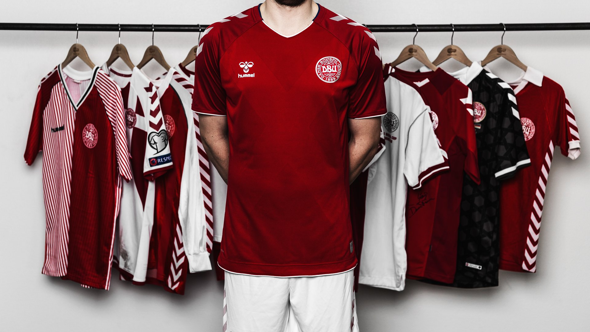 World Cup shirts inspired by the Danish Royal Guard 81c398706
