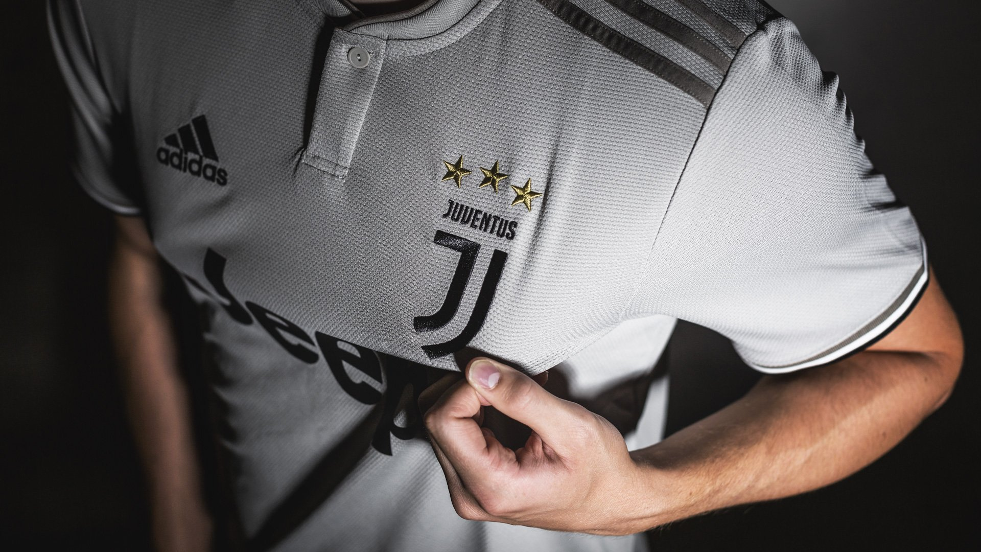 new product 4eaa8 d764d The new Juventus 2018/19 Away Shirt | Get it at Unisport