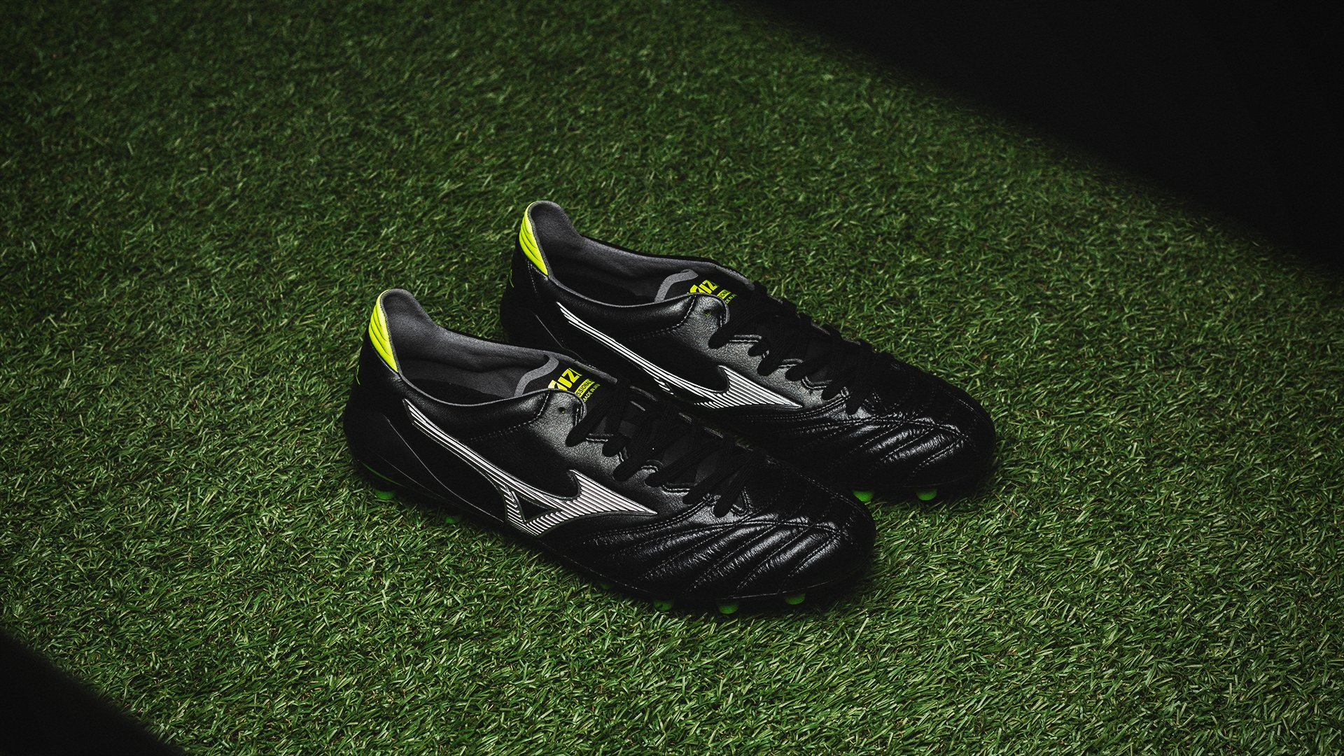 classic fit a1414 e69c4 Morelia Neo II MIJ Black Star | Read more about the boot at ...