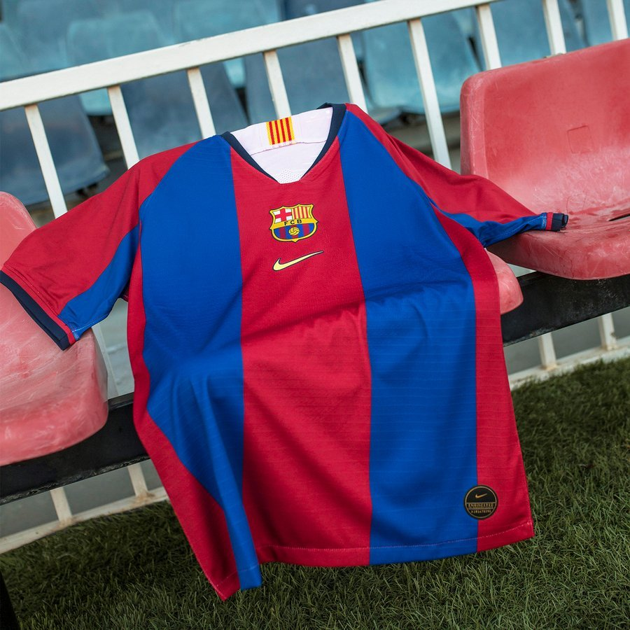 the best attitude f9d25 a5def Nike remakes the FC Barcelona 98/99 shirt