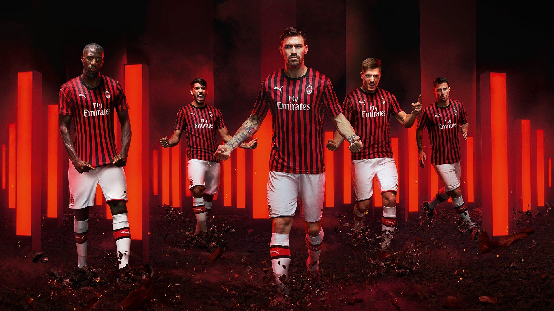 PUMA presents classic AC Milan 2019/20 kit |