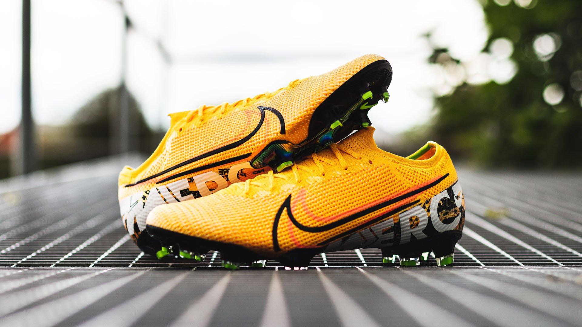 half off 860df b8f8c Nike Mercurial Orange | Get them at Unisport