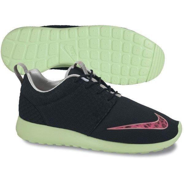 2321269b3cb3d Nike Roshe Run FB Black/Pink Flash/Fresh Mint   www.unisportstore.com