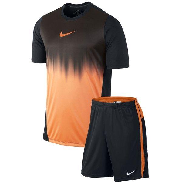 74fb2dce21533 Nike Hypervenom Set T-Shirt + Shorts Longer Faded   www ...