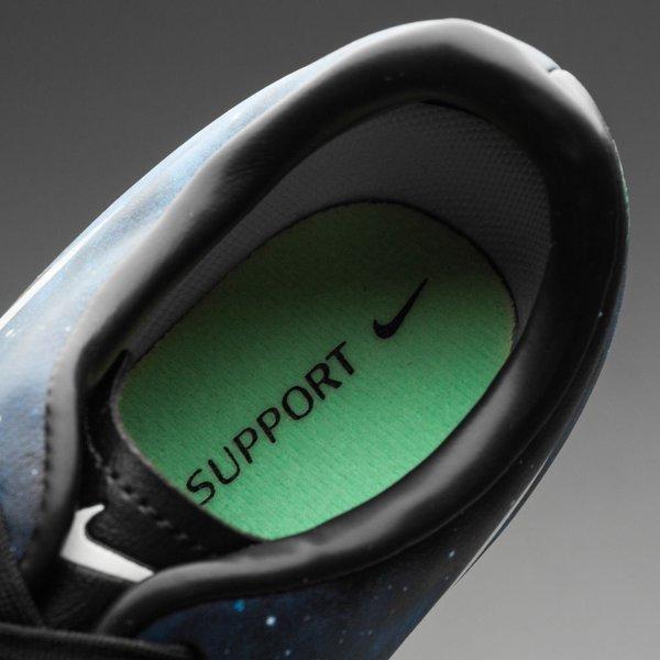 Nike Mercurial Victory IV CR7 IC Barn  f0b85a75a35e7