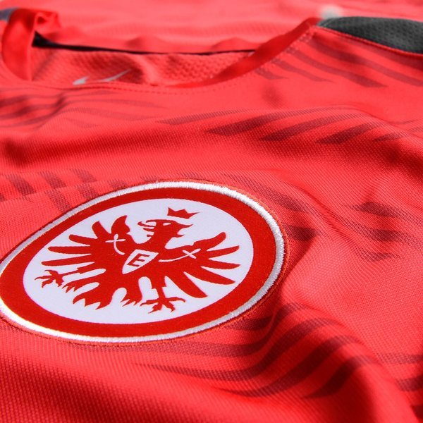 eintracht frankfurt training t shirt squad pre match rood. Black Bedroom Furniture Sets. Home Design Ideas