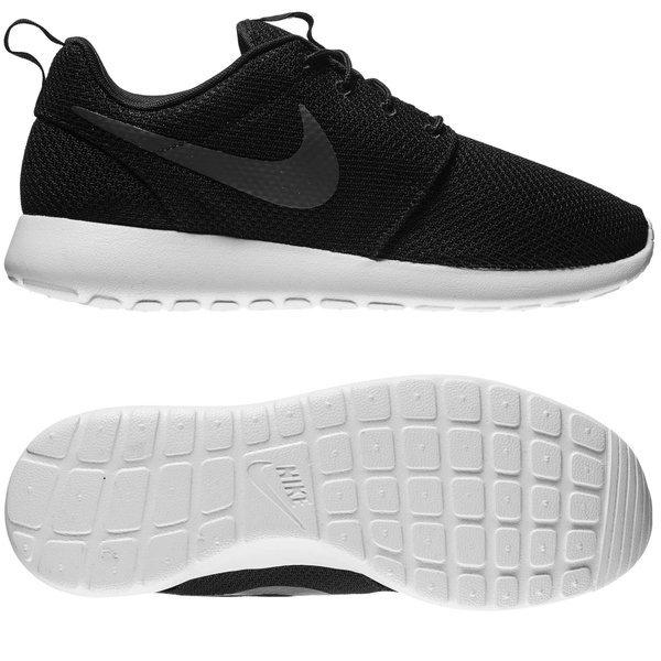 Nike Roshe One Musta Valkoinen Harmaa. Lue lisää tuotteesta. - tennarit. -  tennarit image shadow cb0bc28870