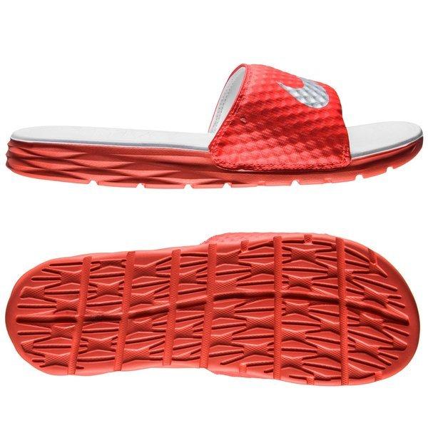 85ddcf8547e1f8 Nike Slides Benassi Solarsoft Slide 2 SCR Bright Crimson Metallic ...