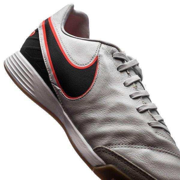 ... indoor shoes ...