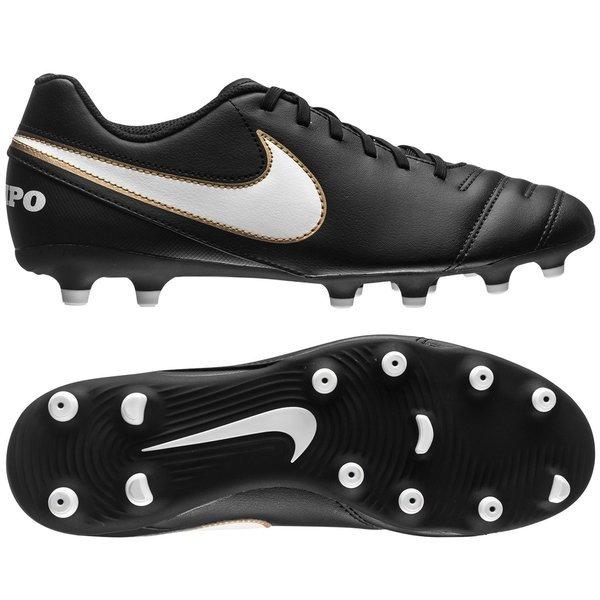 b855ae1361a1c 45.00 EUR. Price is incl. 19% VAT. -40%. Nike Tiempo Rio III FG ...