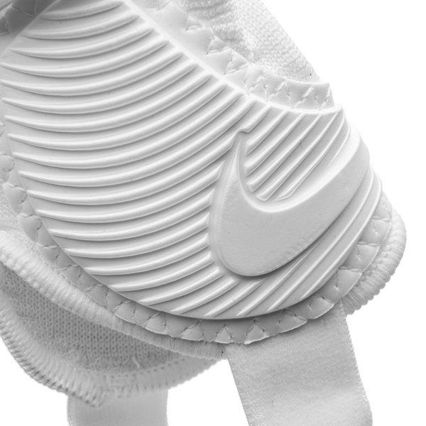 nike prot ge tibias protegga flex blanc enfant www. Black Bedroom Furniture Sets. Home Design Ideas