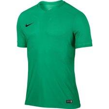 Nike har skabt fremtidens fodboldtrøjer. Hvis du er spilleren der kun vil have det ypperste indenfor for innovation, så er de skarpere, lettere og mere flexible