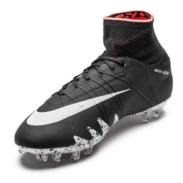 new concept ef9da 3dcd6 Nike Hypervenom Phantom II Neymar x Jordan FG Svart Silver Röd. Produkten  är slut
