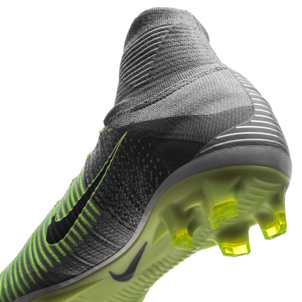 new concept e65f8 11a15 Nike Mercurial Superfly V FG Elite Pack - Pure Platinum Black Ghost Green