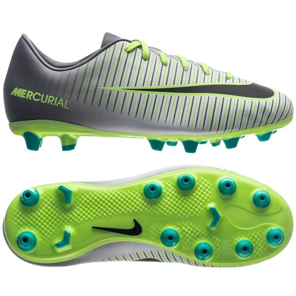 reputable site 1543d 04e5c football boots image shadow