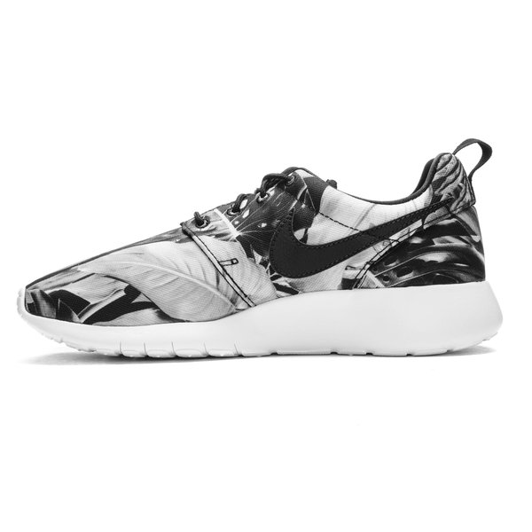 size 40 b6047 34d84 Nike Roshe One Print - Wolf Grey/Black/White Kids | www ...