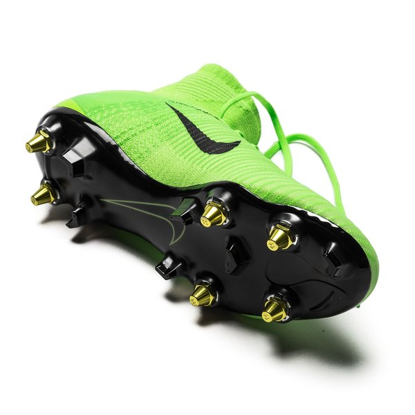 ace27e791ff Nike Mercurial Superfly V SG-PRO Anti-Clog Radiation Flare - Electric Green