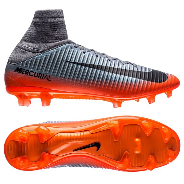 959a9484379d 180.00 EUR. Price is incl. 19% VAT. -44%. Nike Mercurial Veloce III DF CR7  Chapter 4 FG - Cool Grey/Orange