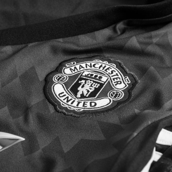 Manchester united maillot ext rieur 2017 18 femme www for Manchester united exterieur