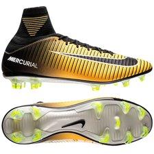 Nike Mercurial Veloce III DF Lock in. Let loose. Orange/Sort/Hvid
