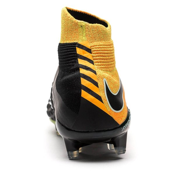 new styles f6030 a6f6a Nike Hypervenom Phantom 3 DF FG Lock in. Let loose. - Oransje Hvit