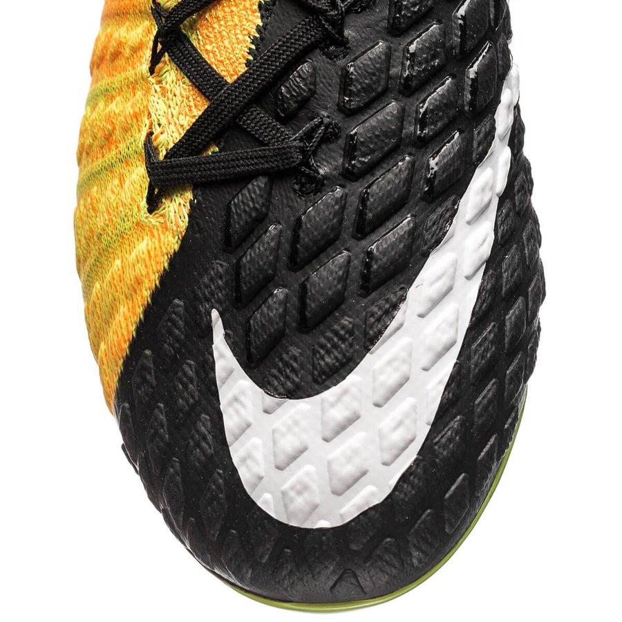 best website ee4fe 6f166 Nike Hypervenom Phantom 3 DF FG Lock in. Let loose. - Orange Vit Svart    www.unisportstore.se
