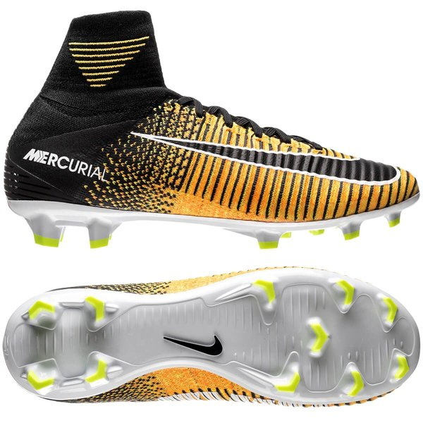 Nike Mercurial Superfly V FG Lock in. Let loose. OrangeNoirBlanc Enfant