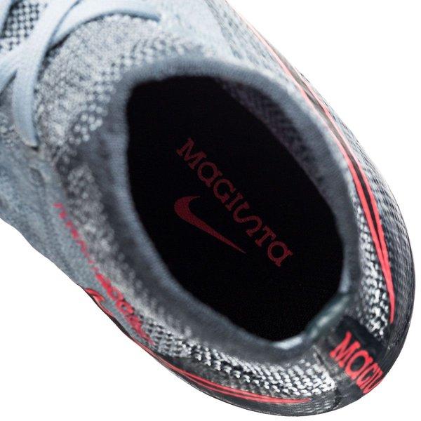 nike magista obra 2 rising fast Nike kobe 8 year of the snake ... c0cc671fd2