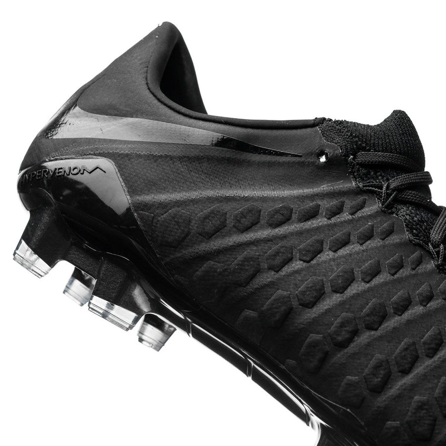 562f5065be5 Nike Air Jordan Future Glow In The Dark - Musée des impressionnismes ...