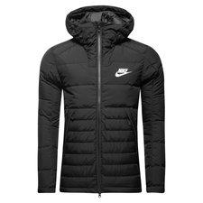 Nike vinterjakke, som er perfekt til at beskytte dig på kolde dage. Jakken beskytter dig mod kulde, vind og vand. Den fulde lynlås kan lynes helt op til den