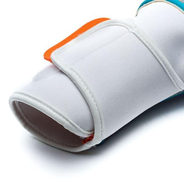 ... reusch maalivahdin hanskat prisma pro ax2 evolution negative cut -  valkoinen sininen - maalivahdin hanskat ... 8e36689e4b