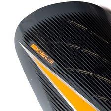 4081f92e10e Nike Protège-Tibias Mercurial Lite Fast AF - Gris Noir Orange. thumb   title . thumb  title