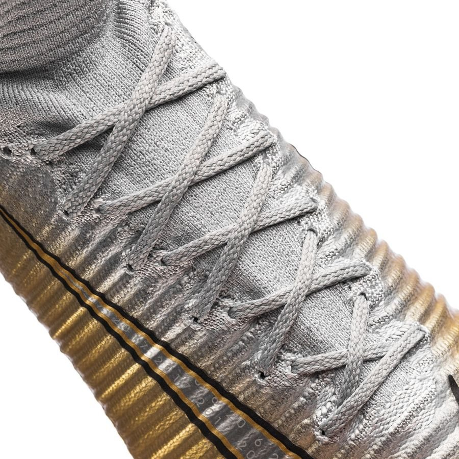 Nike Mercurial Superfly V CR7 FG Quinto Triunfo GullGråSølv LIMITED EDITION