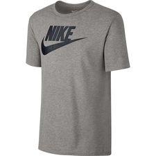 nike t-shirt nsw futura icon - grå/sort - t-shirts