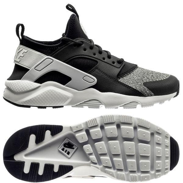 1a22693a13a59 105.00 EUR. Price is incl. 19% VAT. -40%. Nike Air Huarache Run Ultra -  Black Vast Grey Kids