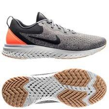 nike running shoe odyssey react - gunsmoke/white women - running shoes