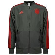 Presentation jakke, som spillerne varmer op i inden kamp. Trænings jakken er lavet i adidas åndbare climalite materiale, som er med at give god ventilation,