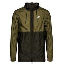 Ny jakke fra Nike, der kombinerer stil og komfort. Jakken er lavet med Nikes Woven materiale på fronten, hvilket giver en letvægts følelse, og øger komforten