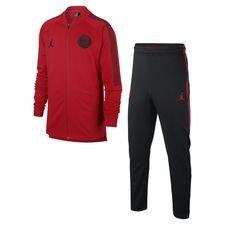 ? Designet med det legendariske Jumpman-logo, bestående af en Michael Jordan silhuet, som udfører et slam dunk ? Træningsdragten er lavet i Dri-FIT m