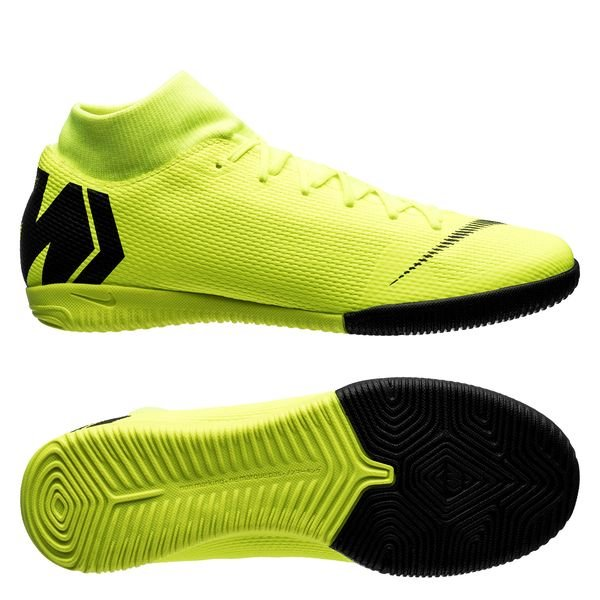 chaussures futsal nike jaune